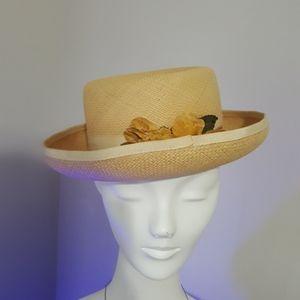 """Vintage """"boater"""" ladies dress hat.  Tan w/flowers."""